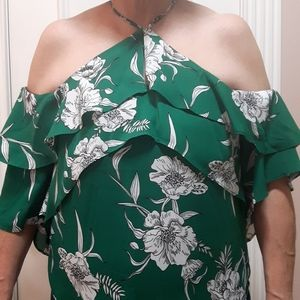 🛍️ NWT floral blouse